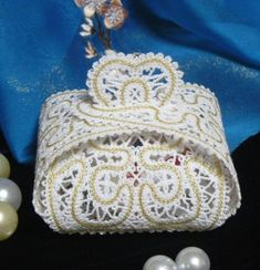 Advanced Embroidery Designs - FSL Battenberg Lace Wedding Favor Box