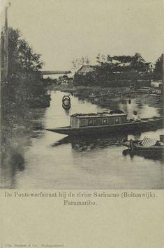 De Pontewerfstraat bij de Suriname rivier (Buitenwijk). Paramaribo. 1900