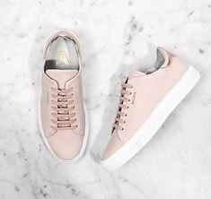 Im Trend: Rosa Sneaker. Hier entdecken und shoppen: http://sturbock.me/e12
