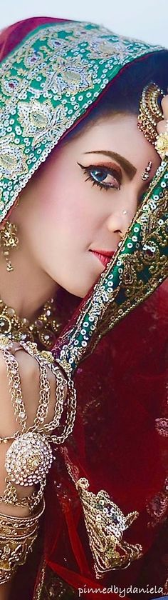 Well-researched and entertaining content on geography (including world maps), science, current events, and more. India Colors, Indian Bridal, Mehndi, Indian Fashion, Desi, Captain Hat, Classy, Glamour, Turquoise