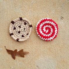 chocolate chip peppermint swirl crochet cookie, crochetbug, crochet cookies, crochet circles, crochet blanket