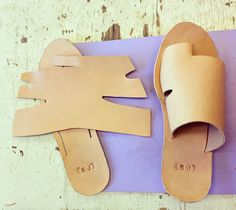from todays class ? (With images) Diy Leather Sandals, Leather Slippers, Leather Shoes, Cute Womens Shoes, Shoes Flats Sandals, Shoe Crafts, Felt Shoes, Shoe Pattern, How To Make Shoes