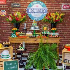 Festa Boteco: 70 ideias e tutoriais para comemorar com estilo Beer Birthday Party, Birthday Party Decorations, Table Decorations, Decor Eventos, Man Party, Fiesta Party, Ale, Home Decor, Flamingo Rosa