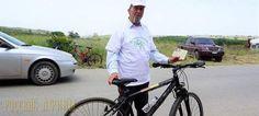 82-летний житель Крита имеет водительские права на… велосипед! http://feedproxy.google.com/~r/russianathens/~3/JNbuS5or7I4/21443-82-letnij-zhitel-krita-imeet-voditelskie-prava-na-velosiped.html  В велопробеге по Педьяде внимание общественности привлекла фигура участника… единственного, кто имел диплом на вождение велосипеда!