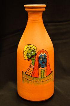 Bottle Painting, Hand Painting Art, Diy Painting, Diy Crafts Love, Creative Arts And Crafts, Bottle Bottle, Wine Bottle Art, Home Decor Copper, Wine Bottle Centerpieces