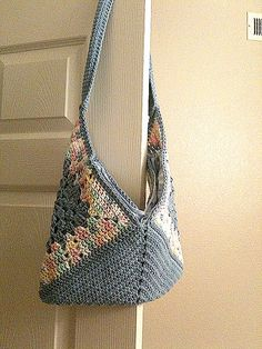 crochet - bag - Get Your Granny On - on ravelry - like the handle attachment on the side - neater - thanks