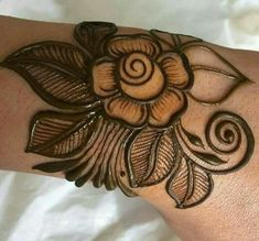 12 Issues About Easy Rose Henna Tattoo Designs You Have To Expertise It Your self Floral Henna Designs, Henna Art Designs, Mehndi Designs For Girls, Modern Mehndi Designs, Dulhan Mehndi Designs, Mehndi Design Pictures, Wedding Mehndi Designs, Mehndi Designs For Fingers, Beautiful Mehndi Design
