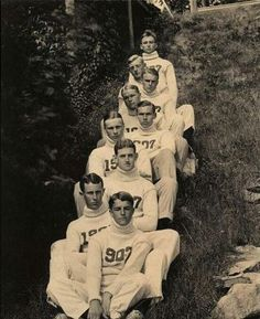 thehandbookauthority: Yale Crew, class of 1907 - Freshmen Crew Preppy Men, Preppy Style, Team Photos, Old Photos, Vintage Photographs, Vintage Photos, Rowing Crew, Ivy League Style, Vintage Sportswear
