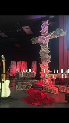 Easter Decoration Ideas for Church Awesome Pin by Rita Macedo On Good Friday Church Decor – Hip and Zen Church Altar Decorations, Stage Decorations, Good Friday Service Ideas, Worship Night, Altar Design, Church Stage Design, Easter 2021, Church Interior, Church Banners