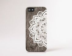 CSERA Apple iPhone and Samsung Galaxy cases are designed for those who love our unique fashion forward artwork, instantly changing the look of your