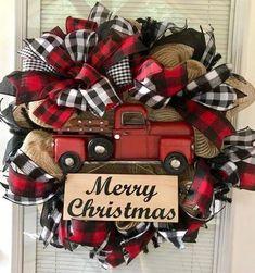 Farmhouse Christmas Wreath Rustic Christmas Wreath Black and Christmas Red Truck, Christmas Home, Christmas Holidays, Christmas Crafts, Christmas Ideas, Christmas Music, Christmas Christmas, Christmas Quotes, Vintage Christmas