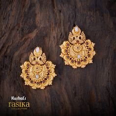 Dual peacock design crown studded with synthetic ruby & white stones with chandabali shape, plated with gold polish & made of pure silver. Master piece from our designer rasika earrings. Jewelry Design Earrings, Gold Earrings Designs, Necklace Designs, Fashion Earrings, Fashion Jewelry, Hoop Earrings, Jewellery Box, Mens Gold Jewelry, India Jewelry
