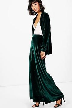 Designer Clothes, Shoes & Bags for Women Abaya Fashion, Fashion Pants, Women's Fashion, Peinados Pin Up, Velvet Fashion, Christmas Fashion, Mode Inspiration, Sheer Dress, Wide Leg Trousers