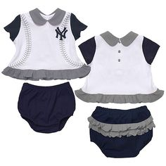 who doesn't love a ruffle butt? :-) baby girl royals though Baby L, Baby Kids, Yankees Baby, Ny Yankees, Yankees Outfit, Kids Wardrobe, How To Make Shorts, New Kids, Future Baby