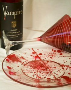 halloween/vampire/true blood party plates