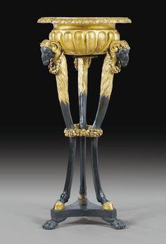 Jardinière en bois noirci et doré, travail italien d'époque néoclassique, fin du XVIIIe -début du XIXe siècle   Lot   Sotheby's