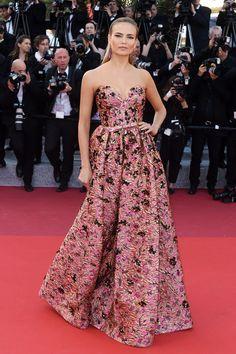 Cannes Film Festival 2016: the hottest looks Natasha Poly in Prada http://en.louloumagazine.com/celebrity/red-carpet/cannes-film-festival-2016-the-hottest-looks/image/2//  Festival de Cannes 2016: les plus beaux looks Natasha Poly en Prada http://fr.louloumagazine.com/stars/tapis-rouge/festival-de-cannes-2016-les-plus-beaux-looks/image/2/