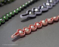 soutache Ribbon Jewelry, Jewelry Crafts, Handmade Jewelry, Soutache Bracelet, Soutache Jewelry, Beaded Bracelet Patterns, Beaded Bracelets, Soutache Tutorial, How To Make Beads