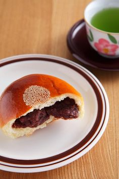 Anpan-sweet red bean bread. I wanna learn how to make these.