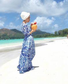 Pinterest @adarkurdish Hijab Fashion Summer, Modern Hijab Fashion, Hijab Fashion Inspiration, Fashion Outfits, Honeymoon Outfits, Vacation Outfits, Summer Outfits, Traveling Outfits, Bali Honeymoon