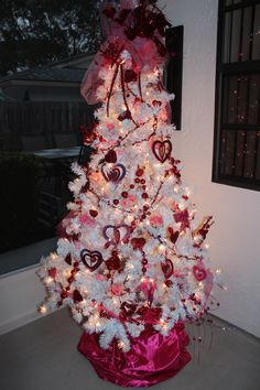 Valentines Holiday Tree Never Took Christmas Down Keeping It Up Year Round Just Changing Decor To Mirror The My Creative Outlet