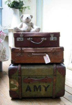 French suitcases... <3
