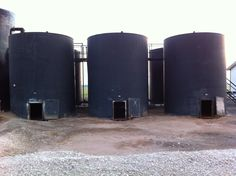 Oilfield storage tank battery