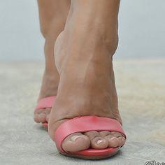 #sexyfeet #feetporn #feetfetish #shoesporn #highheels #feetjob #sexyfeet #feetporn #sexywoma #shoes #solesfetish #highheelshoes #shoesjob #passionfeet