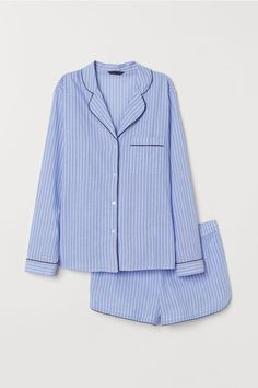 Sleep tight in our soft and comfortable sleepwear. Find classic pajamas for cozy nights or lazy weekends and matching soft tops and shorts – shop online! Cute Sleepwear, Sleepwear Women, Loungewear, Pajamas For Teens, Pajamas Women, Cozy Pajamas, Womens Pyjama Sets, Striped Pyjamas, Satin Pyjama Set