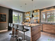tetszik a sötét szék Home Decor Kitchen, Kitchen Interior, Interior Design Living Room, Home Kitchens, Kitchen Dining, U Shaped Kitchen, Modern House Plans, Home Decor Inspiration, Kitchen Remodel