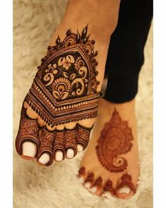 New and unique mehndi designs for the new age brides Latest Bridal Mehndi Designs, Full Hand Mehndi Designs, Mehndi Designs Book, Mehndi Design Pictures, Mehndi Designs For Beginners, Wedding Mehndi Designs, Mehndi Designs For Fingers, Dulhan Mehndi Designs, Latest Mehndi Designs