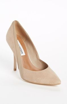 Steve Madden 'Clydee' Pump available at #Nordstrom. I NEED THESE, THESE ARE SO PROFESSIONAL AND CUTE