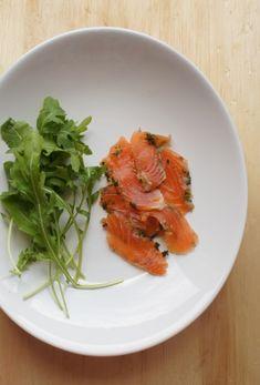 comida de quinta: salmão marinado com laranja e hortelã