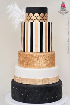 The Great Gatsby Black and Gold Art Deco Wedding Cake Great Gatsby Theme, Great Gatsby Wedding, Gatsby Party, Gold Wedding, 1920s Party, 1920s Wedding, Art Deco Cake, Cake Art, Gorgeous Cakes
