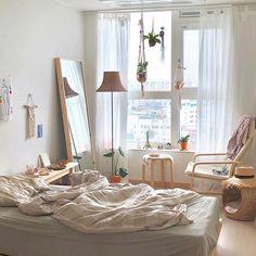Small room bedroom - 73 Creative Tips on How to Make a Small Bedroom Look Larger smallbedroom bedroom design ideas house Glebemines com Small Room Bedroom, Small Rooms, Home Decor Bedroom, Bedroom Ideas, Bed Room, Master Bedroom, Dorm Room, Cozy Bedroom, Narrow Bedroom