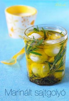 Pickling Cucumbers, Gourmet Gifts, Pickles, Feta, Paleo, Food And Drink, Healthy Recipes, Cheese, Meals