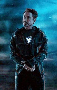 Tony Stark in the avengers infinity war Marvel Actors, Marvel Characters, Marvel Avengers, Stan Lee, Rober Downey Jr, Iron Man Wallpaper, Ironman, Iron Man Tony Stark, Downey Junior