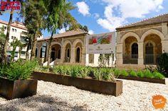#Gerusalemme Questo week-end Open House permette di vedere splenidi edifici. Qui un edificio costruito da una famiglia armena utilizzato come centro di cura per i bimbi non udenti/vendenti (7-9 novembre, Open House)