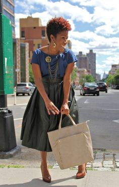 What's in my bag? Here's the contents of one New York City girls purse    CurlzAndTheCity.com