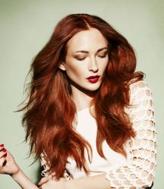 Beautiful #red hair with loose waves