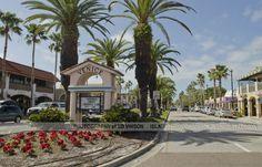 Venice Ave Downtown Entrance