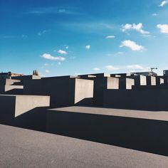 """#berlin #holocaustmahnmal #labyrinth #petereisenman"""