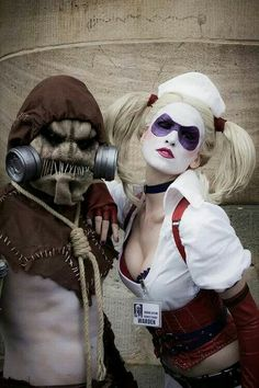 Characters: Scarecrow (Dr. Jonathan Crane) & Harley Quinn (Dr. Harleen Quinzel) / From: Warner Bros. Interactive Entertainment's 'Batman: Arkham Asylum' Video Game / Cosplayers: Benjamin Barker (aka Weasel Cosplay) as Scarecrow & Skunk Cosplay (aka MadameSkunk) as Harley Quinn
