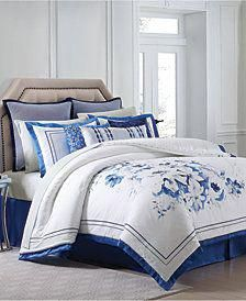 Shop for queen floral bedding at Bed Bath & Beyond. Buy top selling products like J. Queen New York™ Rosemary Comforter Set and Elizabeth Olwen by Makers Collective Wildwood Quilt Set. Shop now! Queen Comforter Sets, Duvet Sets, Duvet Cover Sets, Queen Duvet, Floral Comforter, Aztec Bedding, Red Comforter, White Bedding, Kings Home