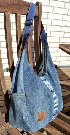 Best 11 Tune-ups and Deeds: Instructions for Total Recycling of Jeans, Part 6 – – SkillOfKing. Denim Tote Bags, Denim Purse, Denim Bag Tutorial, Amo Jeans, Blue Jean Purses, Tommy Hilfiger Brand, White Tote Bag, Denim Shoulder Bags, Fabric Bags