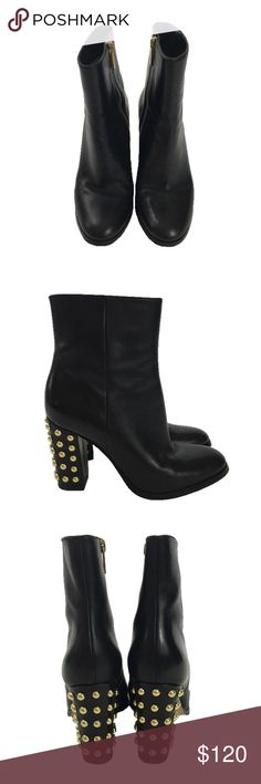 MICHAEL MICHAEL KORS 'LINDEN' BOOTIE MICHAEL KORS LINDEN BOOTIE. BLACK LEATHER BUBBLE STUD ANKLE BOOTIE. GOLD HARDWARE AND ZIPPER. INSET SIDE ZIPPER CLOSURE. CONDITION: LIKE NEW/ SIGNS OF WEAR; SCUFFS ON SOLES, AGED LEATHER *BOX INCLUDED* MICHAEL Michael Kors Shoes Ankle Boots & Booties