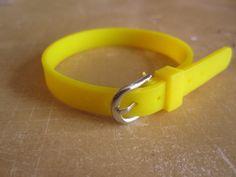 Lot 5 supports bracelet silicone jaune : Supports Bracelets par mains-malins