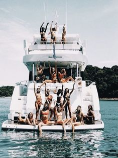 🤩 a e s t h e t i c friends forever, summer pictures и summ Photos Bff, Best Friend Photos, Best Friend Goals, Friend Pics, Cute Friends, Best Friends, Friends Forever, Summer Vibes, Besties