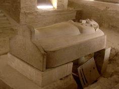 """Sarcófago do Faraó Merneptá""""."""
