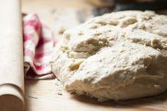 impastare il pane - cucina italiana